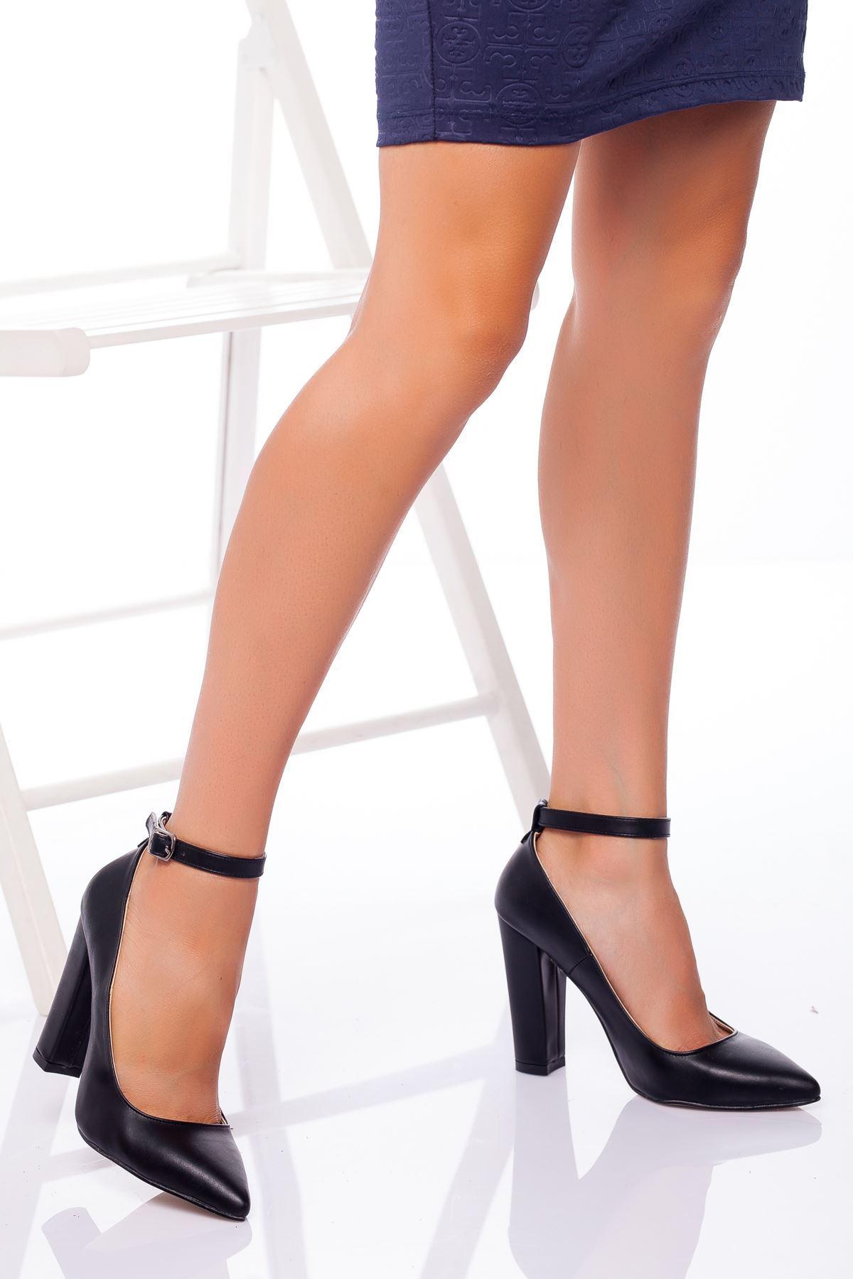 Delma Topuklu Ayakkabı SİYAH CİLT