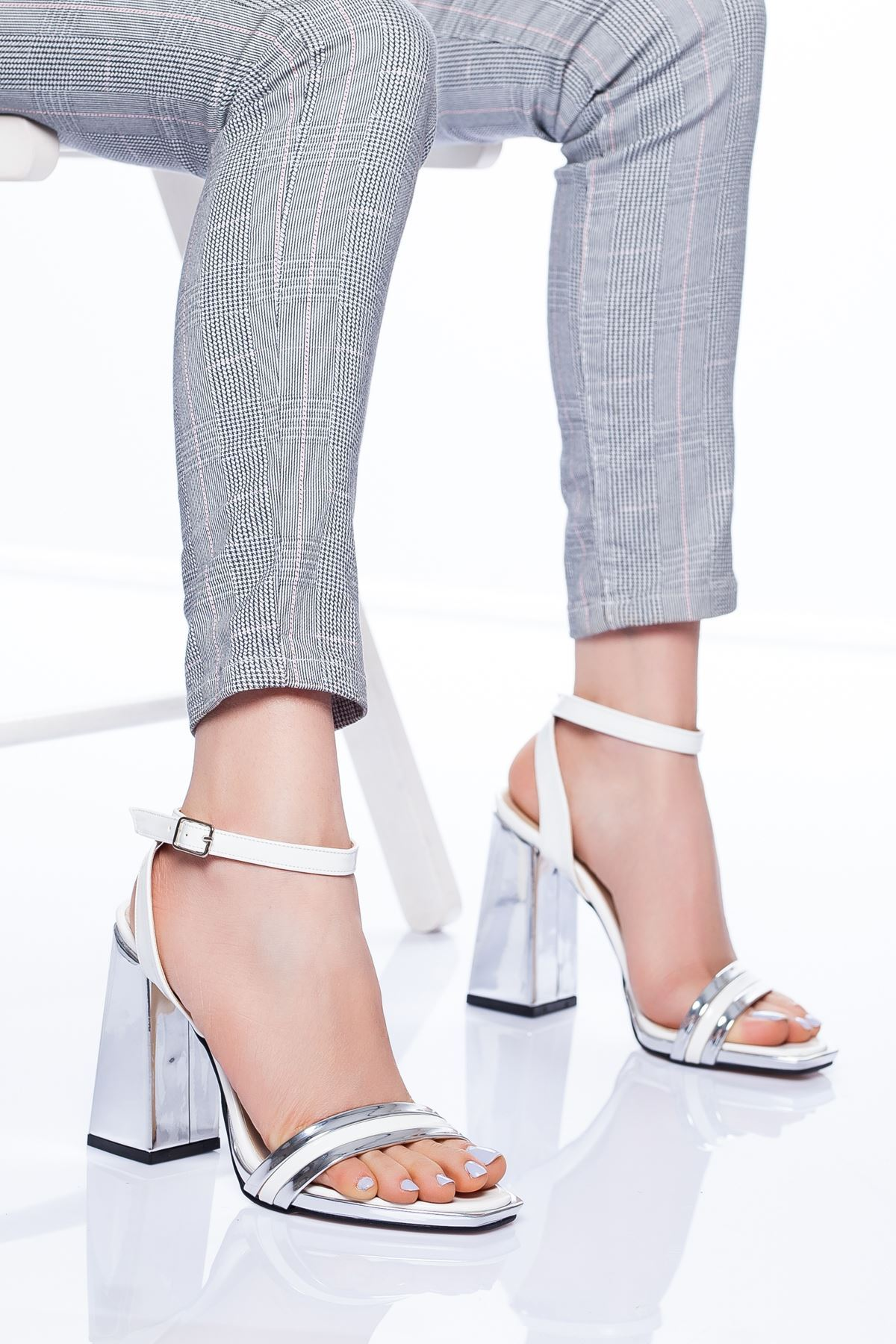 Paris Topuklu Ayakkabı BEYAZ-GÜMÜŞ