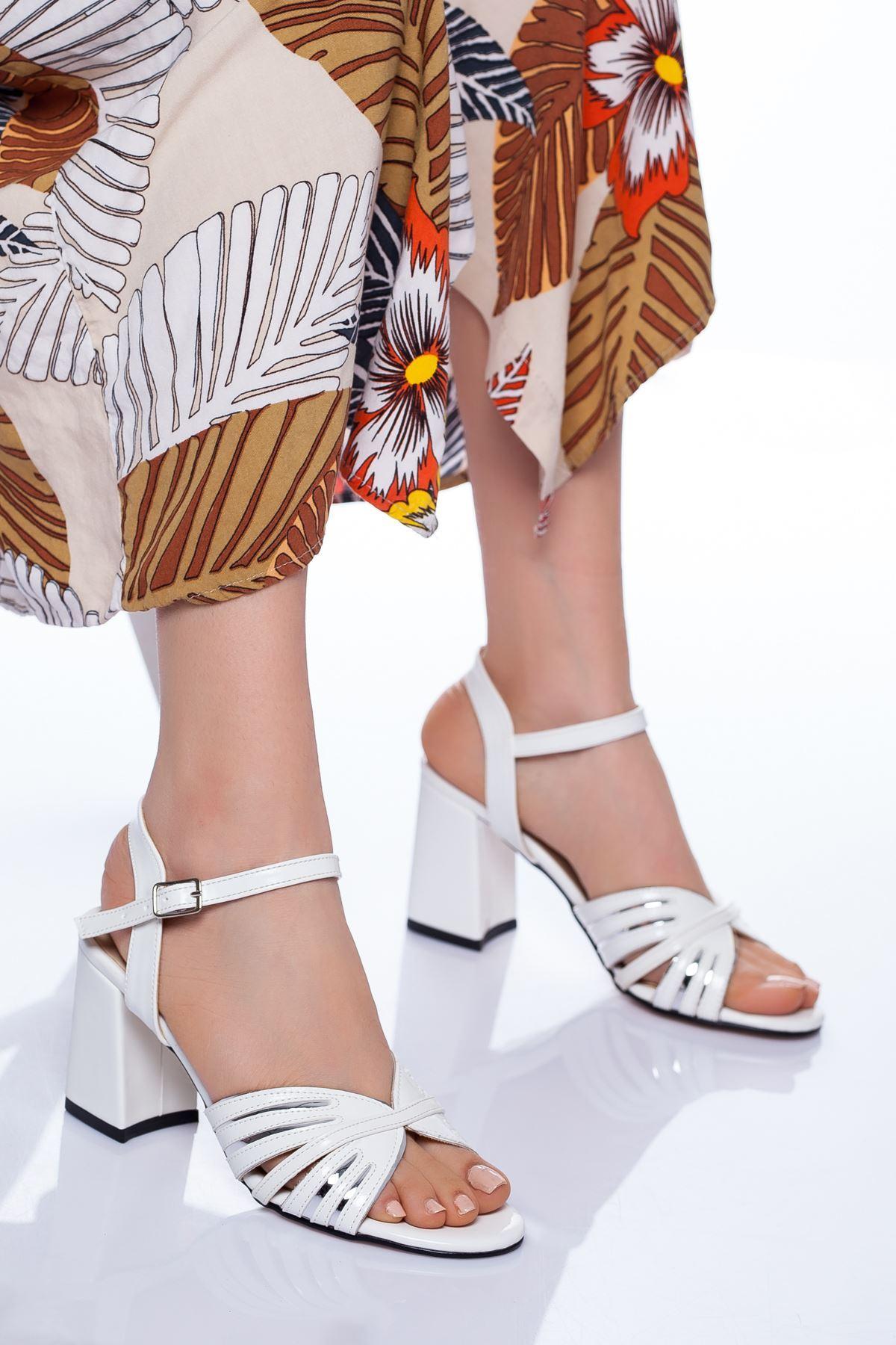 Ferzi Topuklu Ayakkabı BEYAZ RUGAN