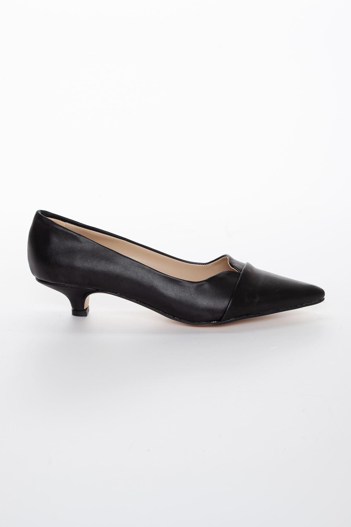 Elina Sivri Burun Kısa Topuklu Ayakkabı Siyah