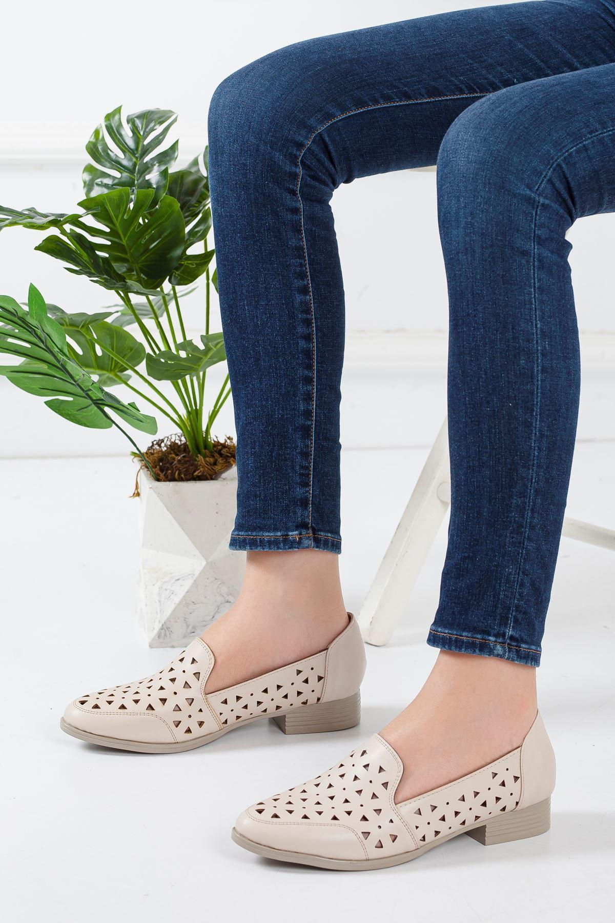 Egem Delikli Yazlık Babet Ayakkabı Bej